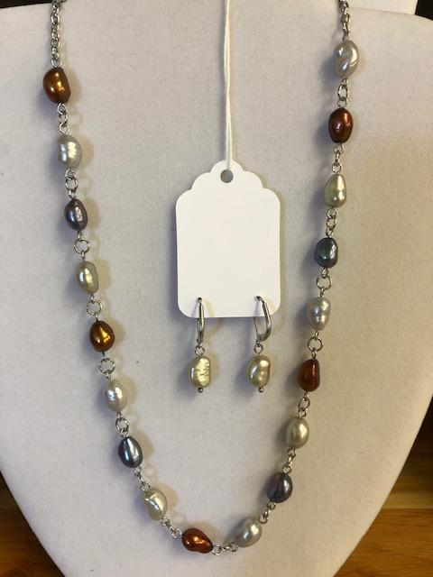 Freshwater Pearls Short Necklace - Artfest Ontario - Creations GDC -