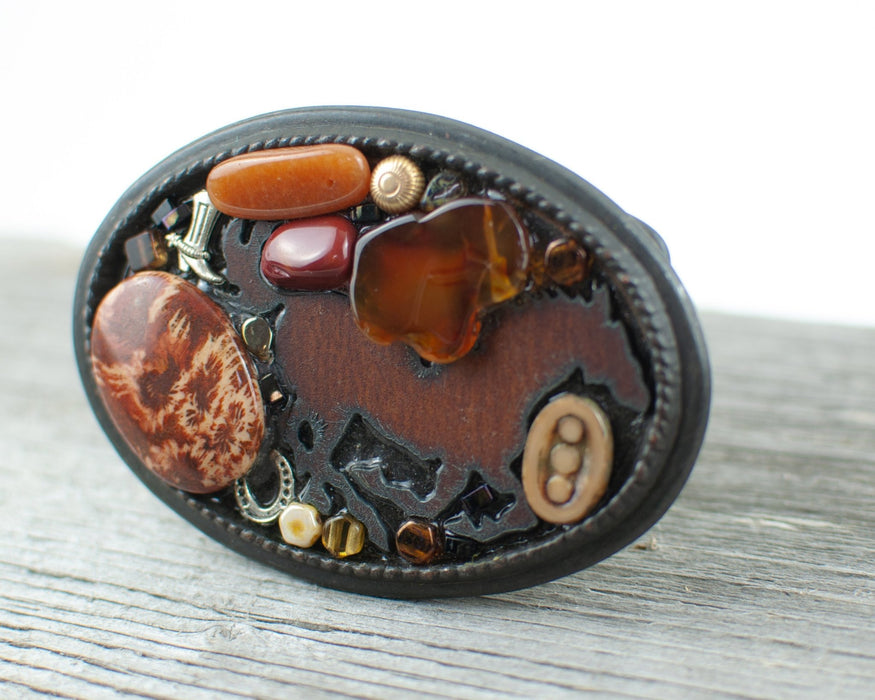 Horse lovers theme Large Oval Belt Buckle - Artfest Ontario - Lisa Young Design - Belt Buckles