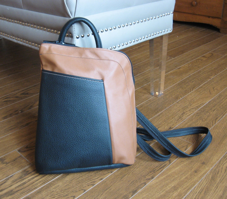 Large stroll bag- tan with black pocket and decorative stitching product details - Artfest Ontario - Arrowsmith Leather - Clothing & Accessories