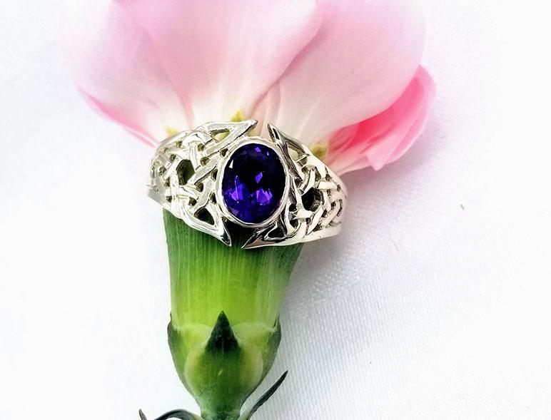 Sterling Celtic Amethyst V Ring - Artfest Ontario - Delicate Touch Jewellery - Fine Jewellery