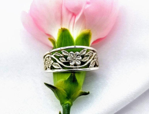 Sterling Flower Band with Narrow Border - Artfest Ontario - Delicate Touch Jewellery - Fine Jewellery