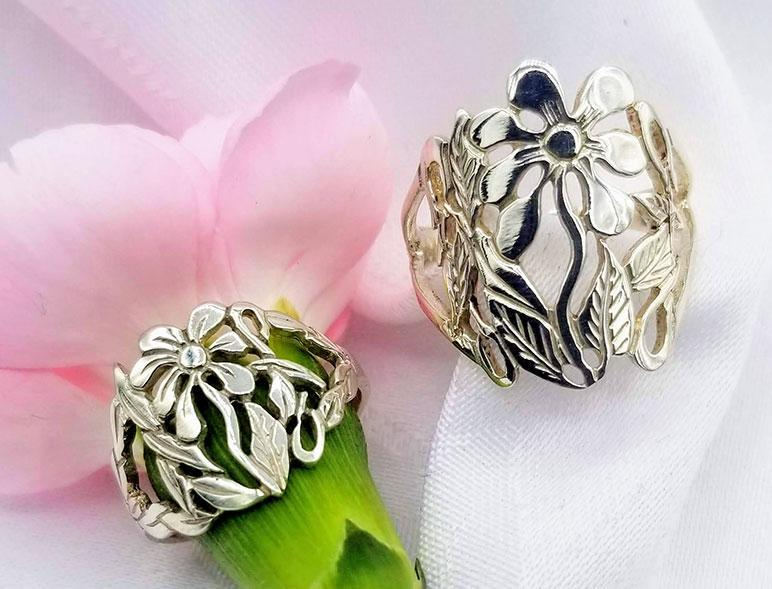 Sterling Large Daisy Ring - Artfest Ontario - Delicate Touch Jewellery - Fine Jewellery