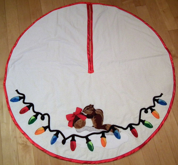 Traditional Holiday Tree Skirt - Artfest Ontario - Tamara's Treasured Shop - Home Decor