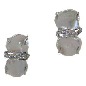 <i>Keshi Pearl Clip Earrings</i><br>2 color options<br><br>Made in Italy<br>