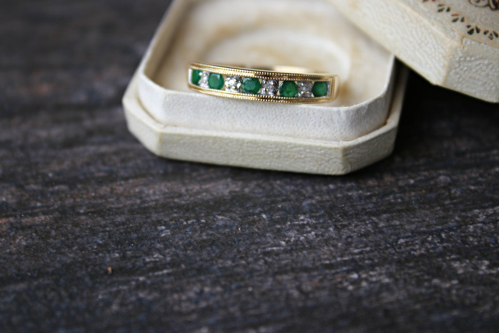 Vintage emerald ad diamond ring