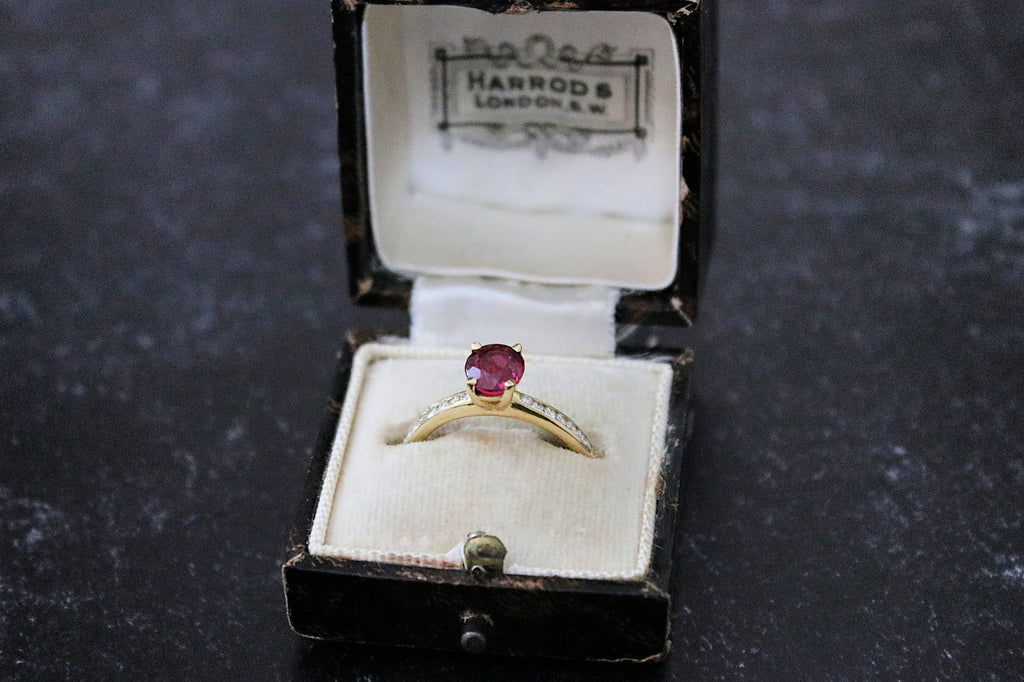 RELAIS Ruby and Diamond Engagement Ring 1.42