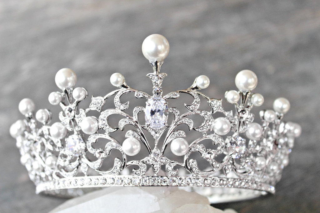 WILLA Pearl Crown