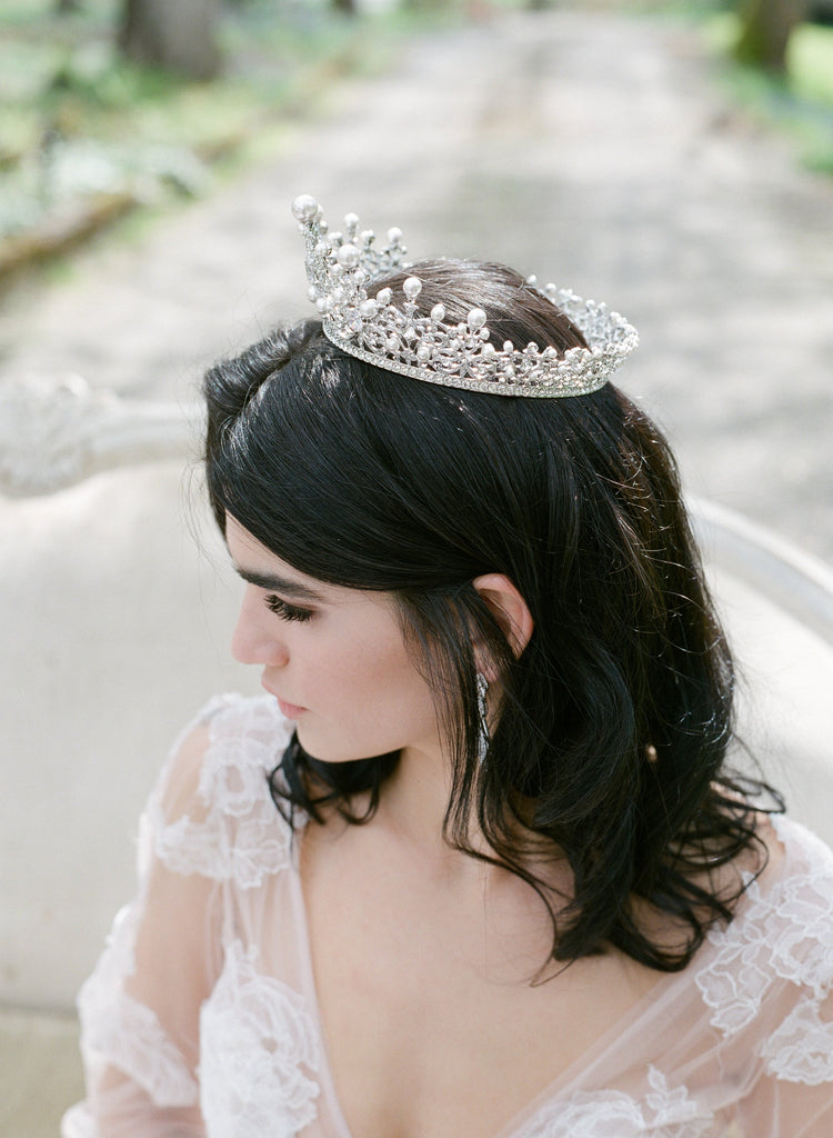 The WILLA Pearl Crown