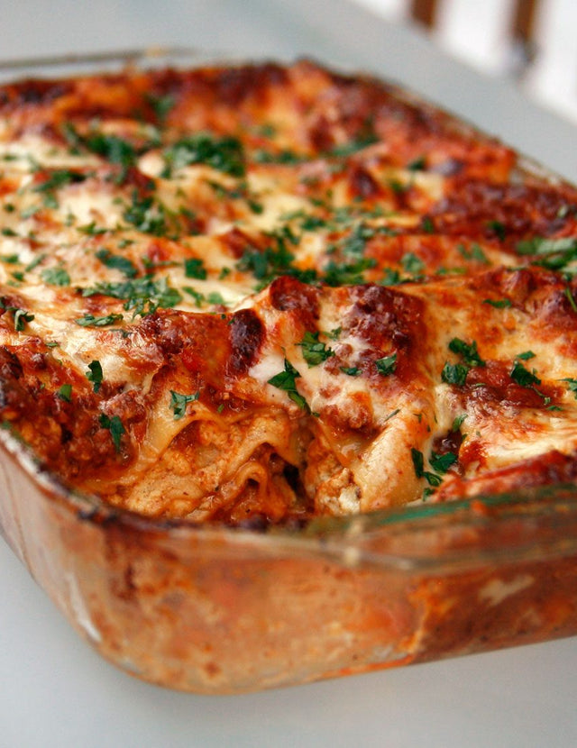Classic Lasagna with Red Meat Sauce