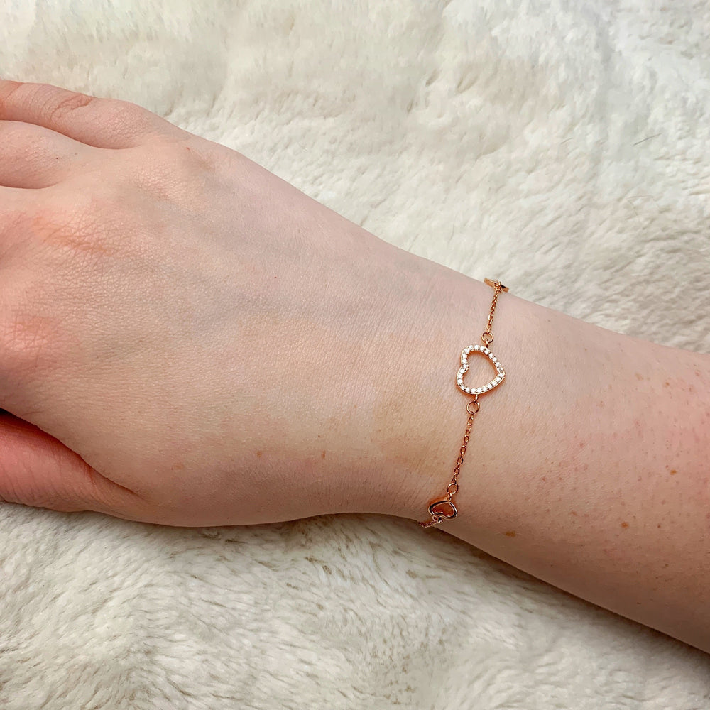 Load image into Gallery viewer, Rose Gold Heart Bracelet