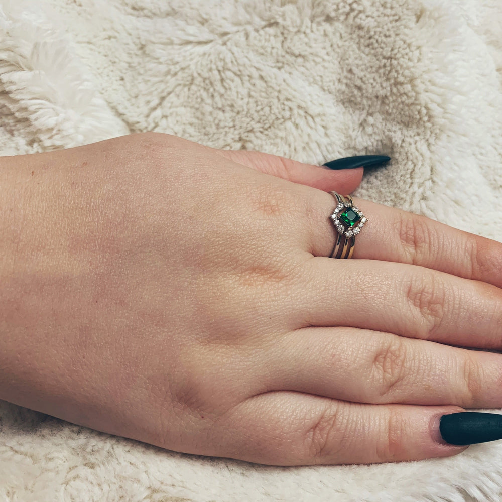 Classic Silver V Ring