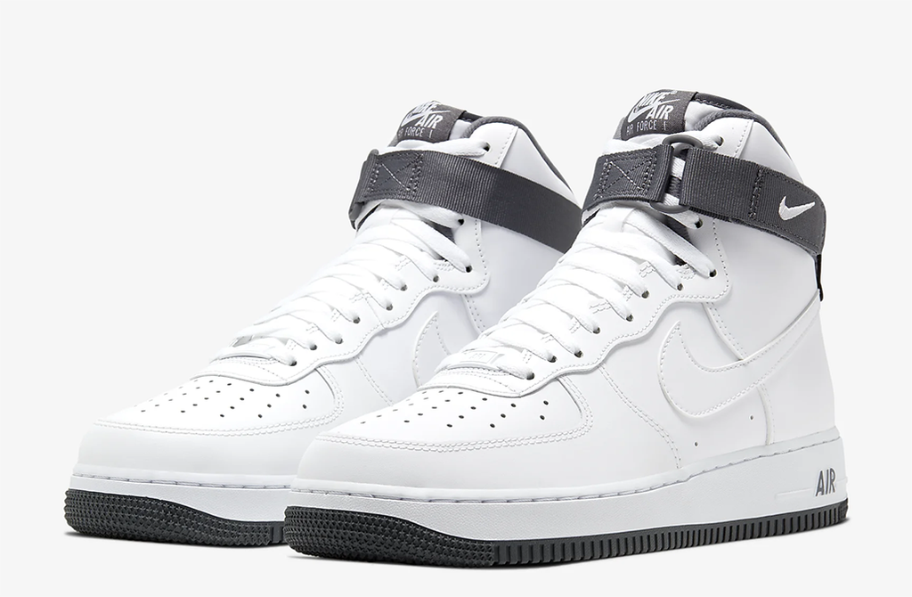 Nike Air Force 1 High in White/Dark Grey
