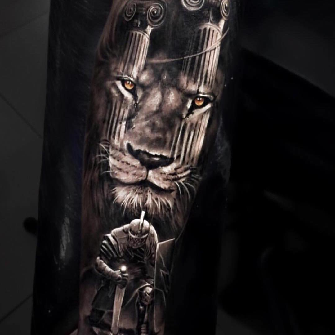 Lion Tattoo by Pedro Muller