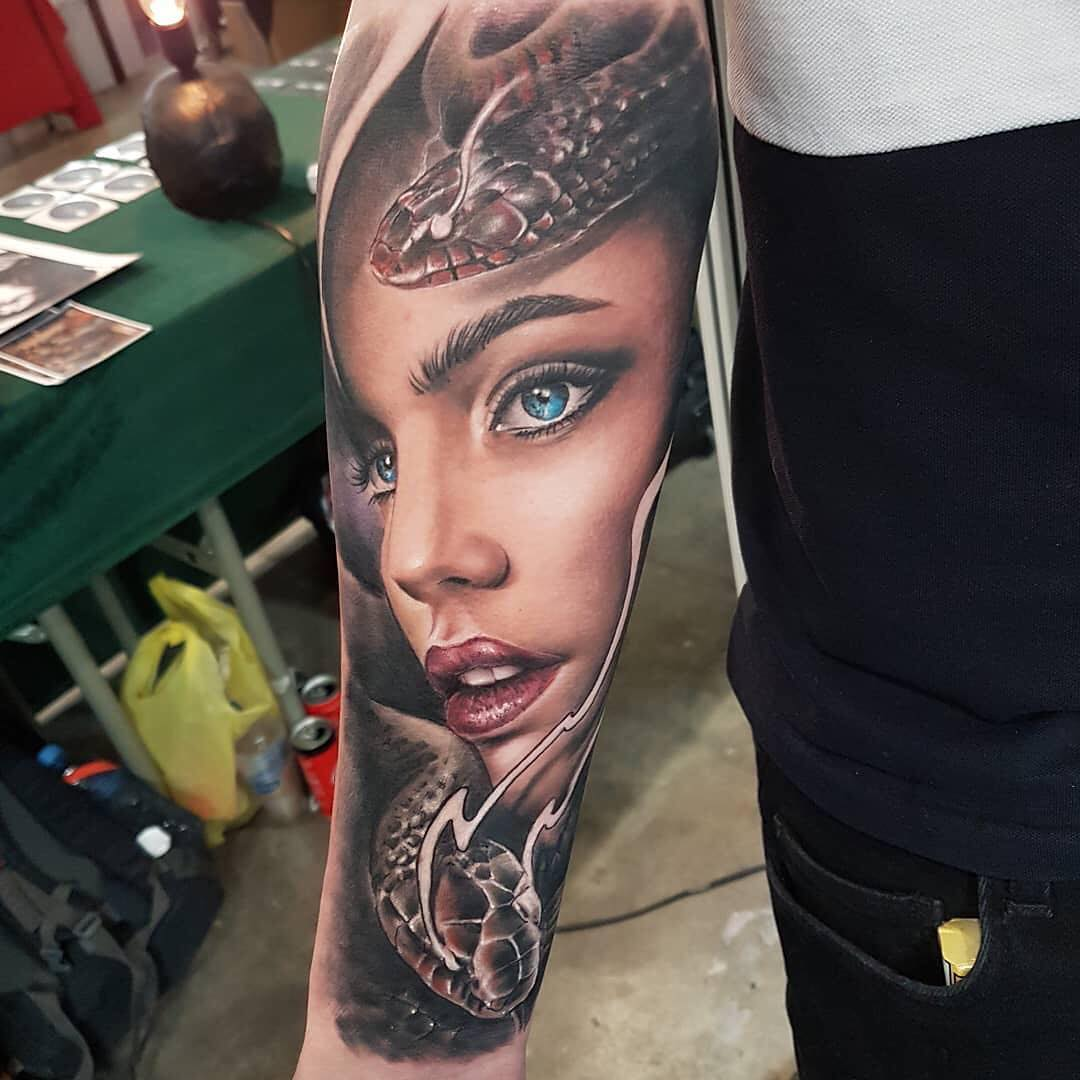 Colour Realsim Tattoo of Woman and Snakes