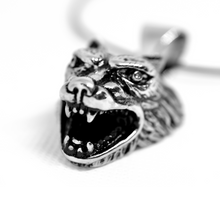 Load image into Gallery viewer, stainless steel wolf necklace