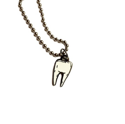 Glow In The Dark Tooth Necklace - Latootha