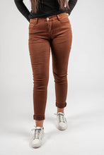Load image into Gallery viewer, Carole – Coloured Jeans - Camel - V1120