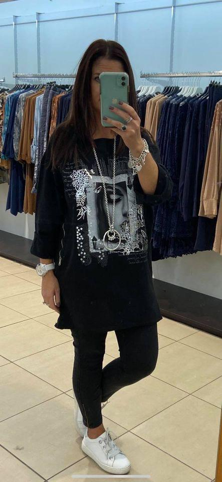 Miss Style - Face Print Long Sleeved Top - Black - 6002
