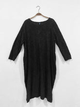 Load image into Gallery viewer, Lipstick – Tunic Dress - Black - 9102
