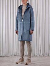 Load image into Gallery viewer, Ova700 Fur Reversable Coat