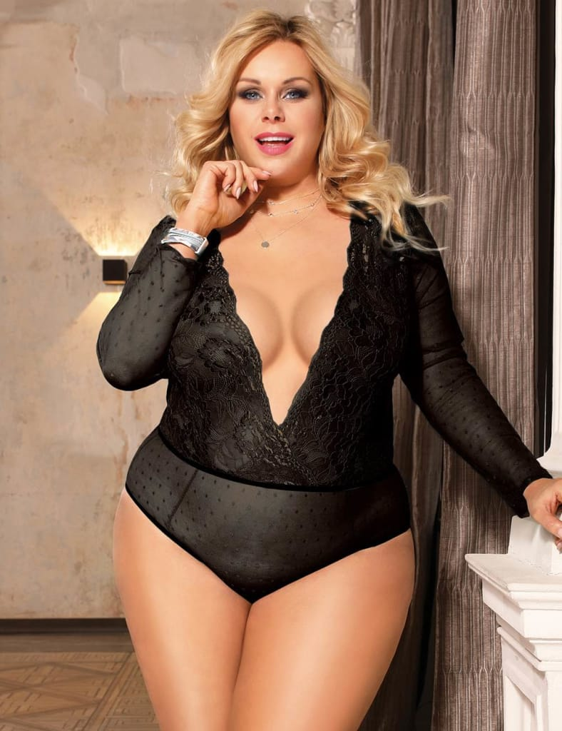 Plus Size Black High Quality Lace Stitching Long Sleeve Sexy