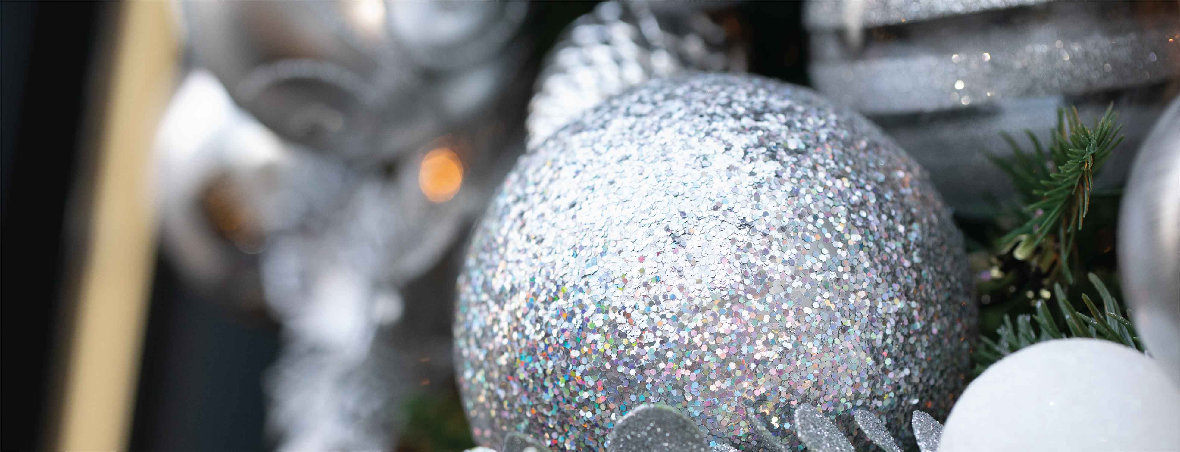 Silver Wreath with Glitter Bauble