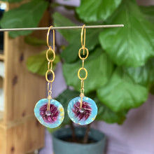 Load image into Gallery viewer, Fuchsia and Gold Chain Earrings