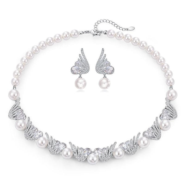 Necklace EarringsJewelry Set with Heart Crystals and Pearls from Swarovski CDJ 003