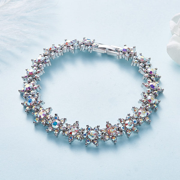 Women Bracelet Embellished with Crystals from Swarovski CDB 003