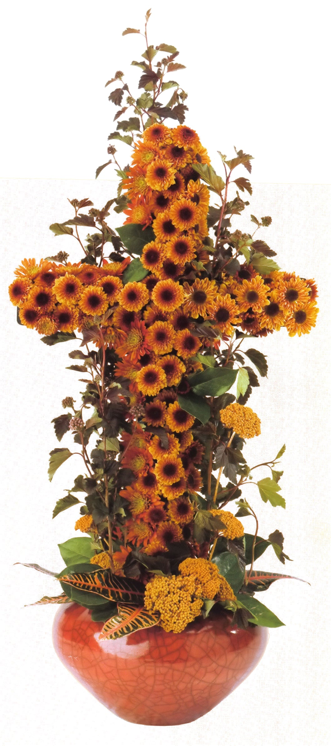Arrangement with Cross