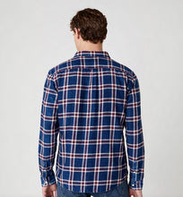 Load image into Gallery viewer, WRANGLER LONG SLEEVE ONE POCKET CHECK SHIRT