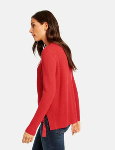 RED JUMPER WITH A DRAWSTRING