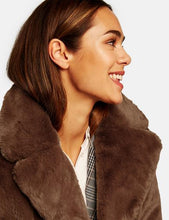 Load image into Gallery viewer, SHORT COAT MADE OF SOFT FAUX FUR