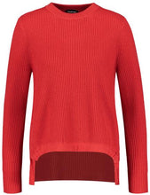 Load image into Gallery viewer, RED JUMPER WITH A DRAWSTRING