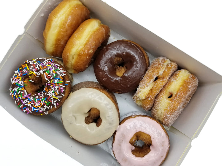 Box of 12 Lee's Baker's Choice Donuts