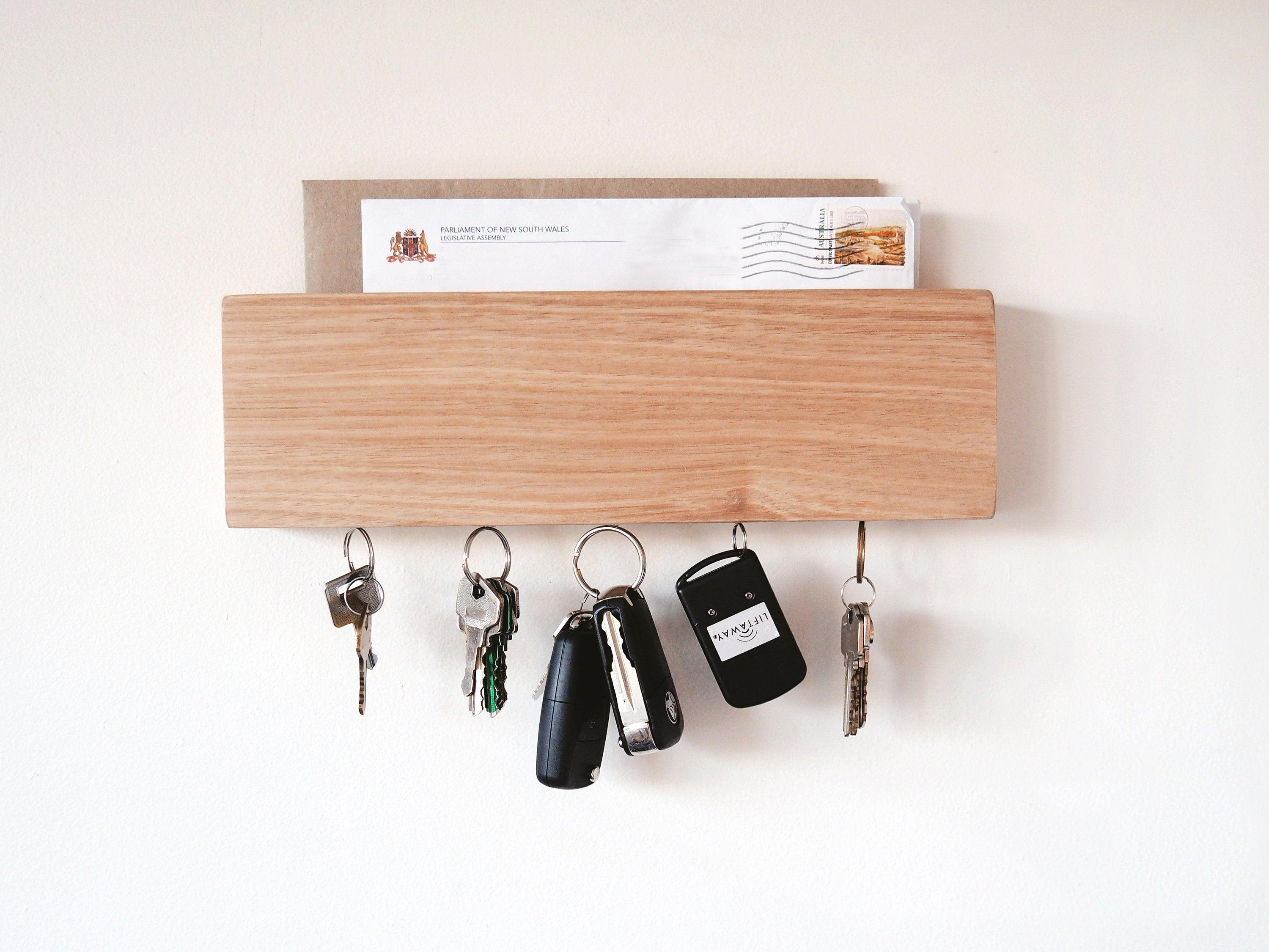 Mail and Key Holder (Oak)
