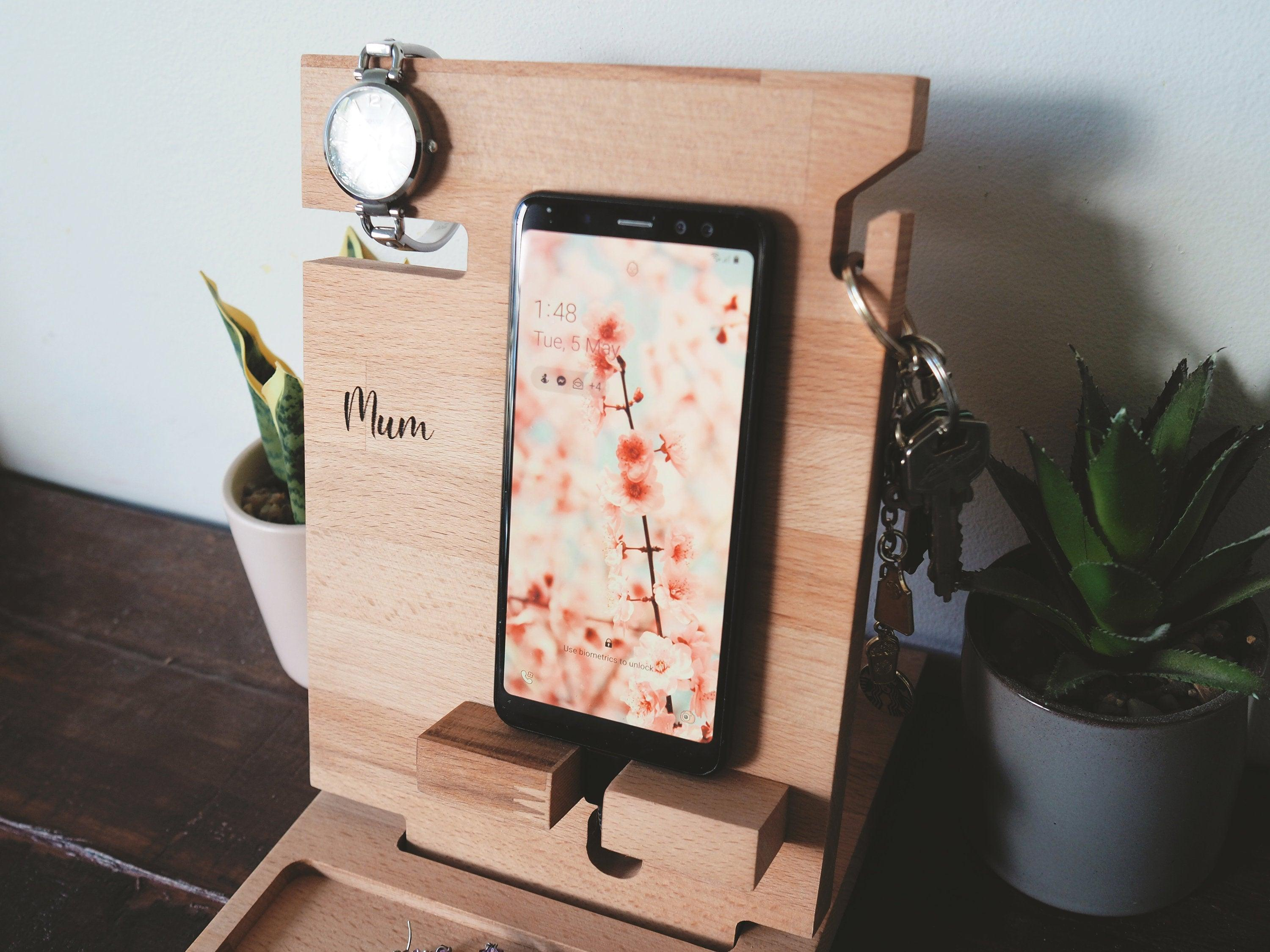 Simple Phone Docking Station (Beech)