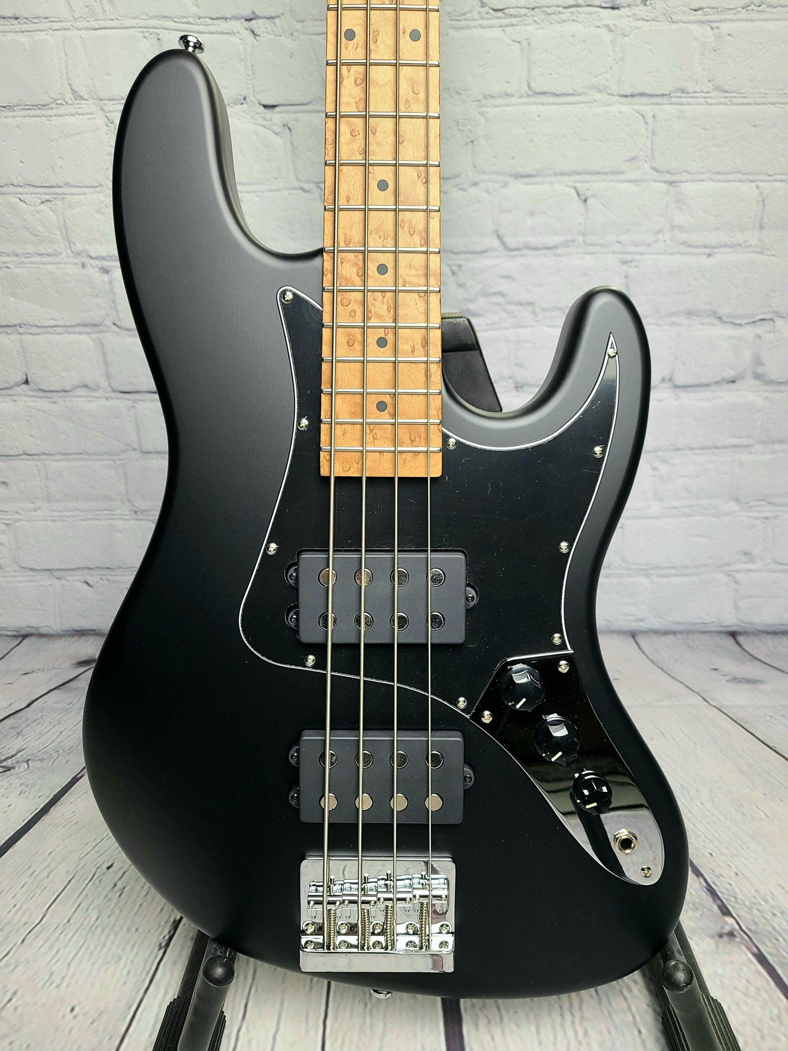 Balaguer Goliath Bass - Satin Black w/Roasted Maple Neck
