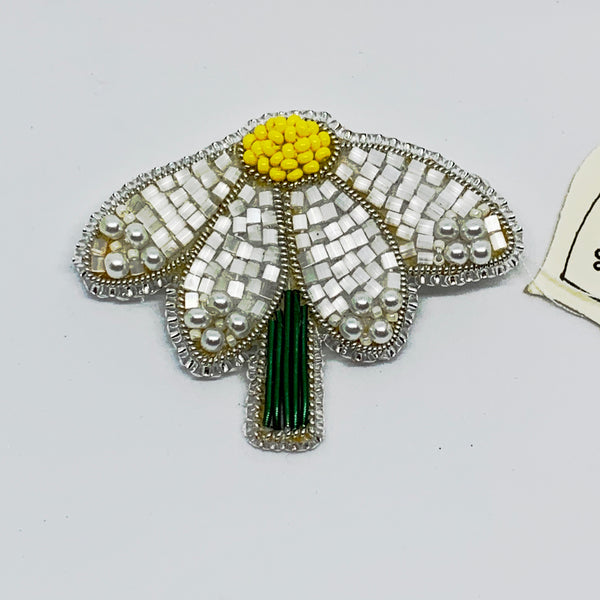Kunda Art Beaded 'Daisy Pin'