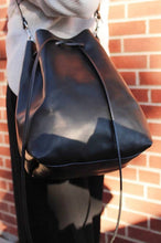 Load image into Gallery viewer, Hunter Bucket Bag