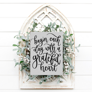 Grateful Heart Canvas Sign