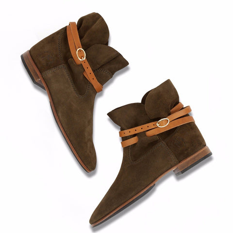 Bottines in olive suede