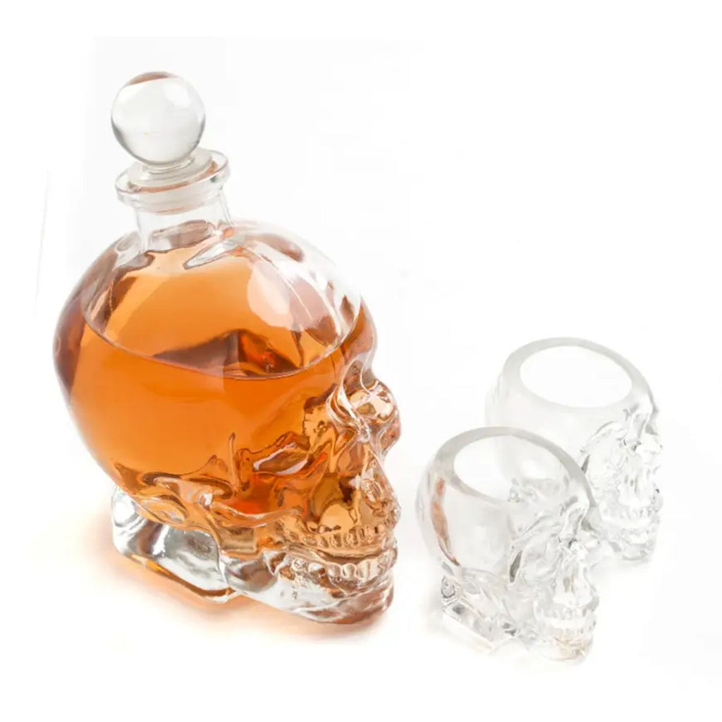 Skull Decanter plus 2 Shot Glasses