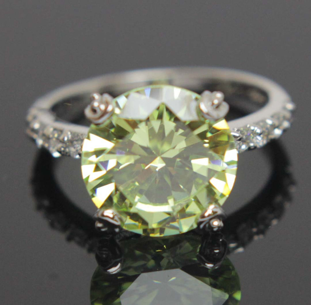 Sterling Silver Peridot CZ Ring Size 8