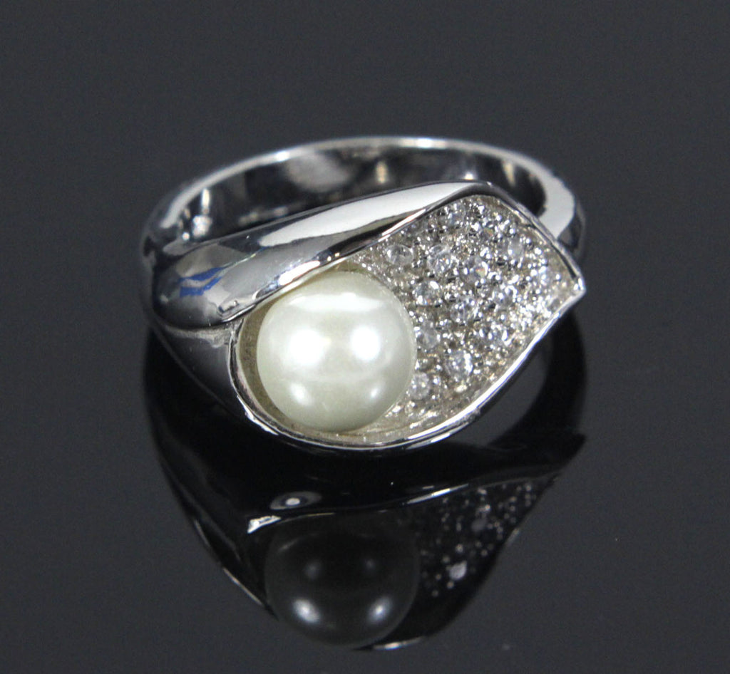 Sterling Silver Pearl with Leaf Ring  size 9