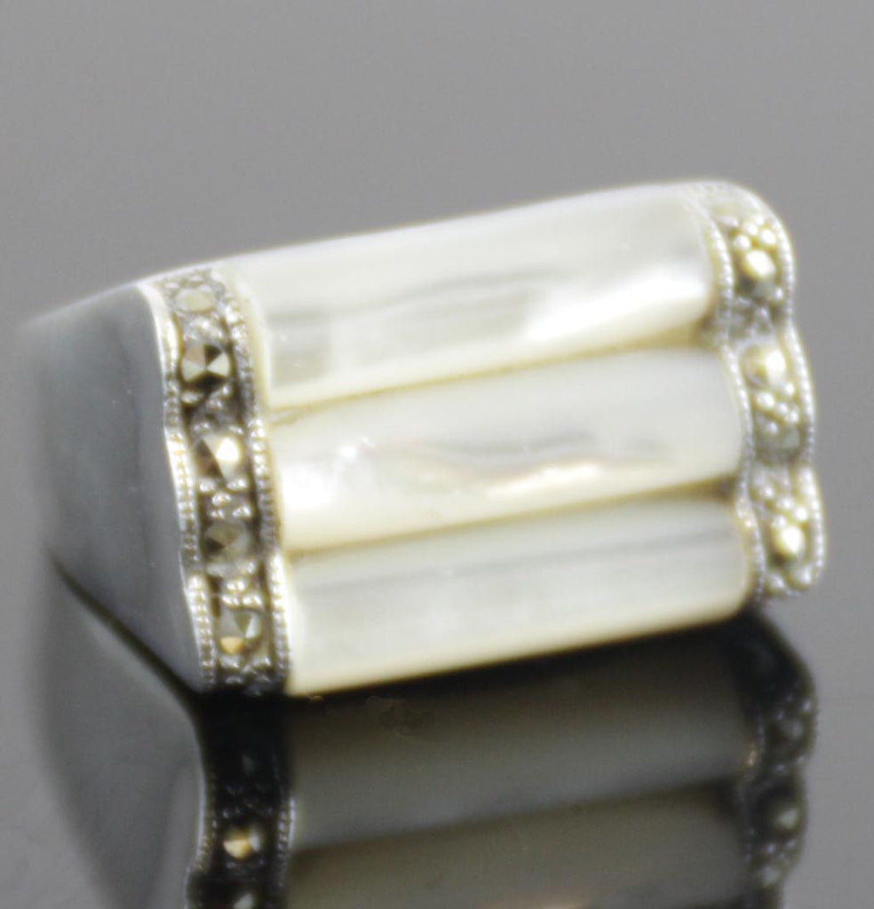 Sterling Silver Mother of Pearl Ring Size 7.5