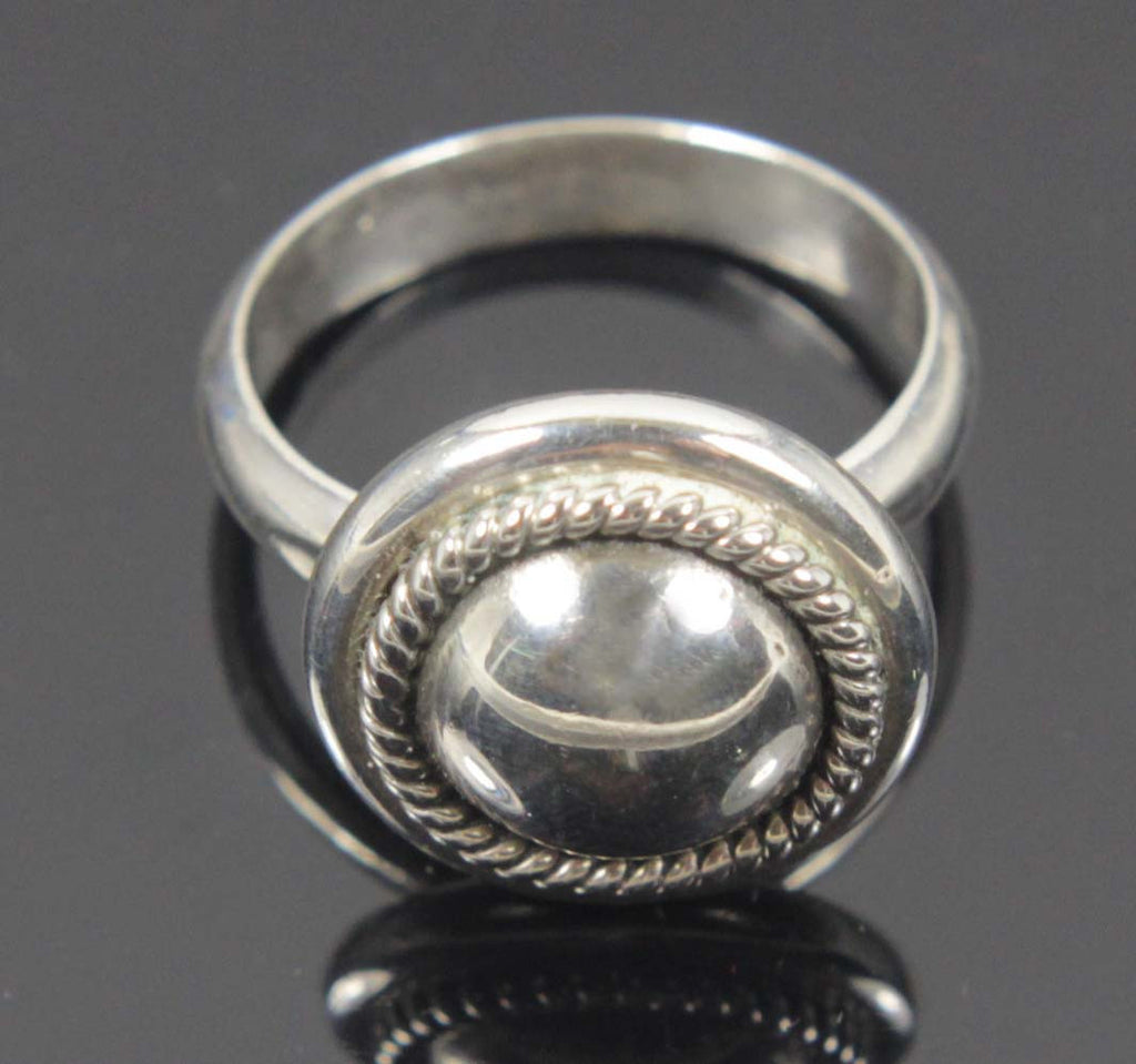 Sterling Silver Ring Button Size 9