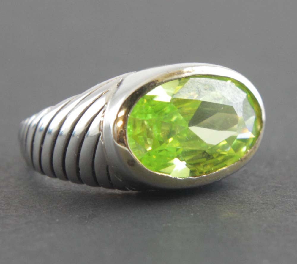 Sterling Silver Peridot Ring Size 8.5