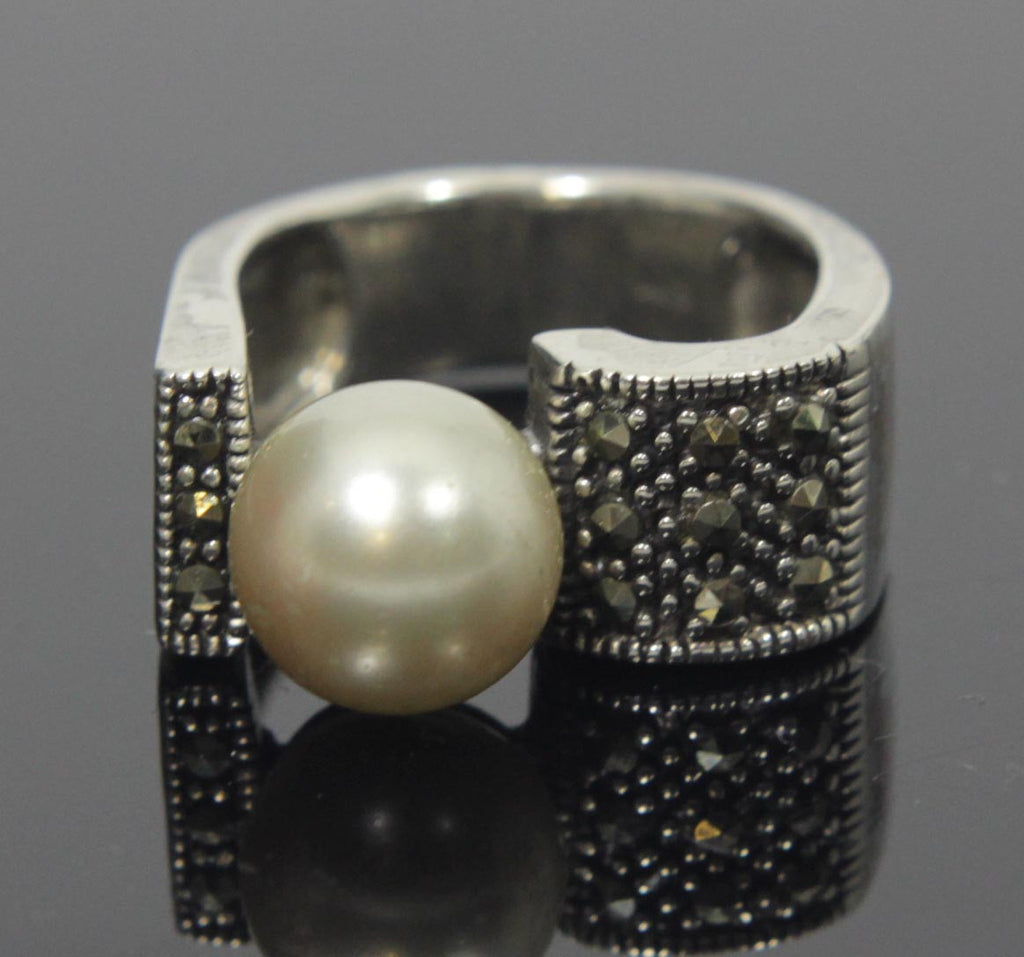 Sterling Silver Pearl with Marcasite Ring Size 8