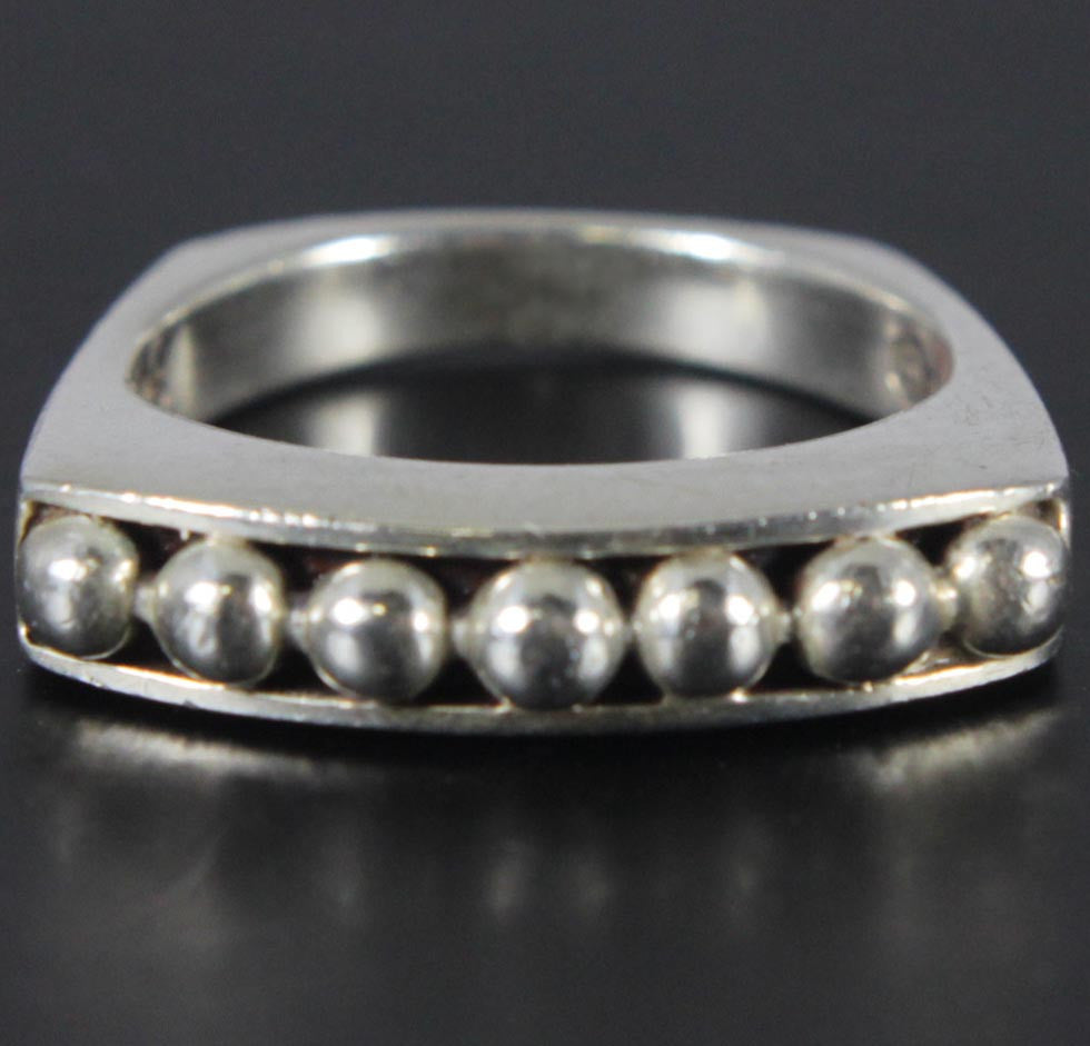 Sterling Silver Seven Ball Ring Size 7.5